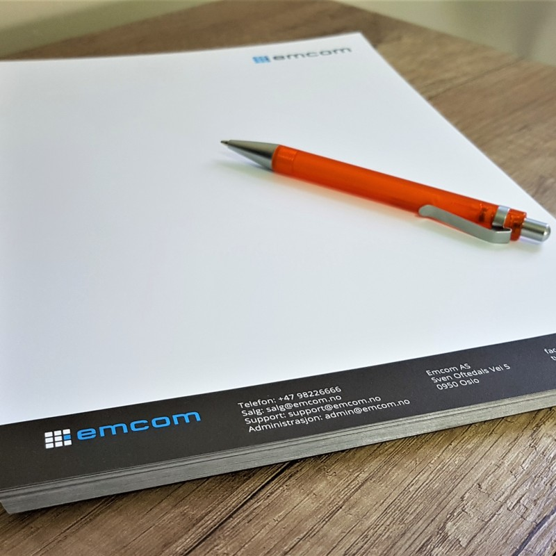 100 gsm offset paper, print 2 + 0 colors, glued upper side, 50 sheets. Size: A4