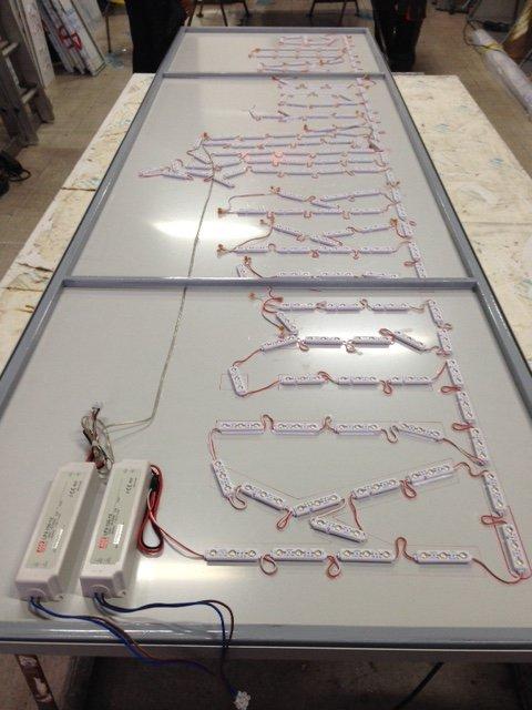 Klinikk for Alle LED sign assembling