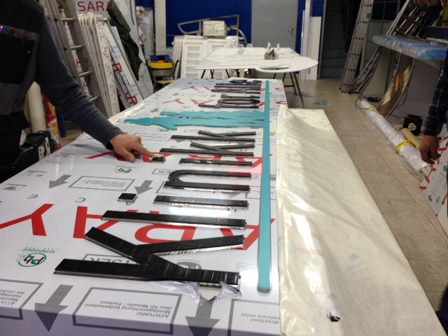 Klinikk for Alle LED sign assembling