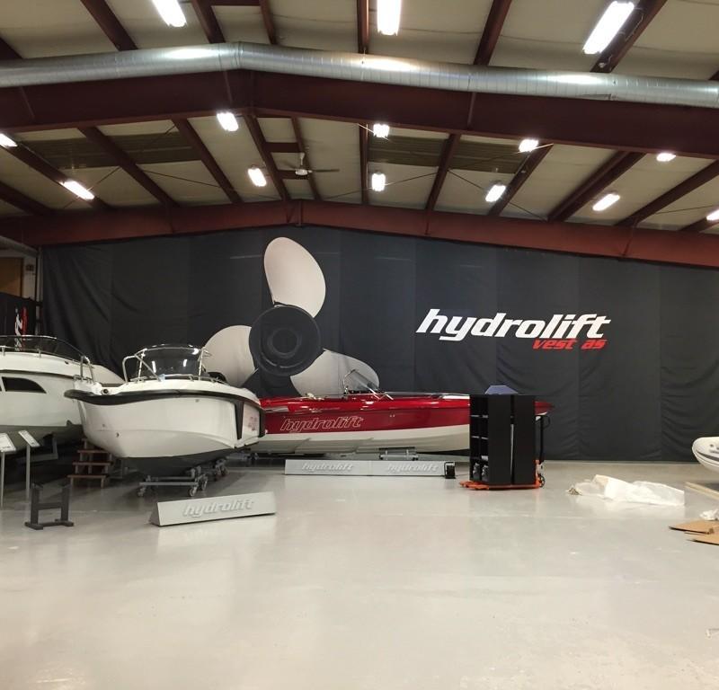 Hydrolift textile banner