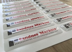 white foil + doming gel, printed CMYK or PMS with cut to shape circle Size: 50 x 10 mm