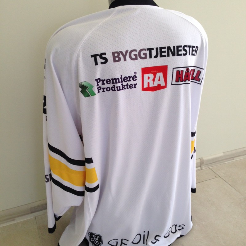 without embroiderer sponsor logos; 100% polyester
