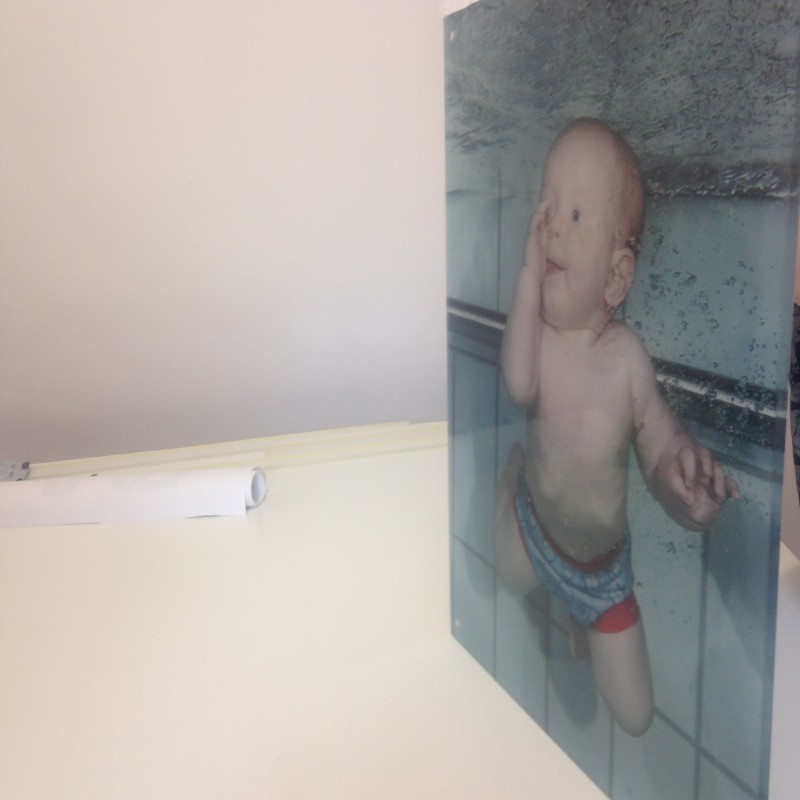 10 mm transparent acryl, printed mirror on the back and closed with white + 4 pcs. spacers  for wall mounting. Size: 80 x 60 cm