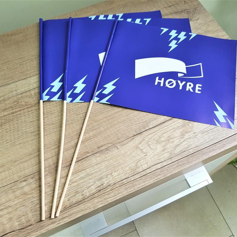 20 x 25 cm. 130 gsm matt paper, printed offset 4+4, wooden pole