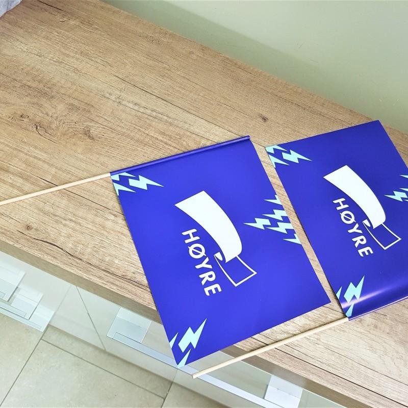 170 gsm matt paper, printed offset 4+4, wooden pole