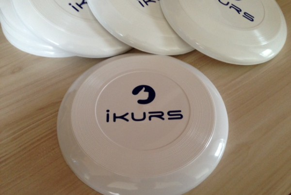 White PVC, 1 color screen printed. Size: 23 cm diameter