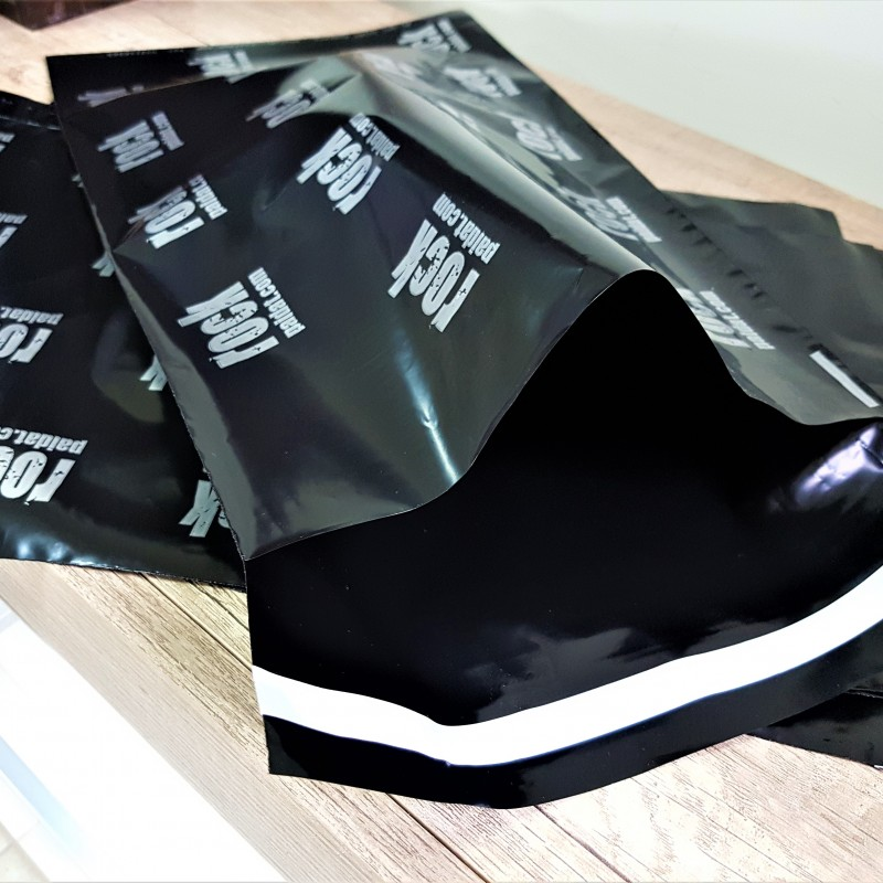 60 micr. black LDPE foil, 1 color flexo print /silver/, 5 cm cover, adhesive for permanent bonding. Size: 24.8 x 41.5 cm
