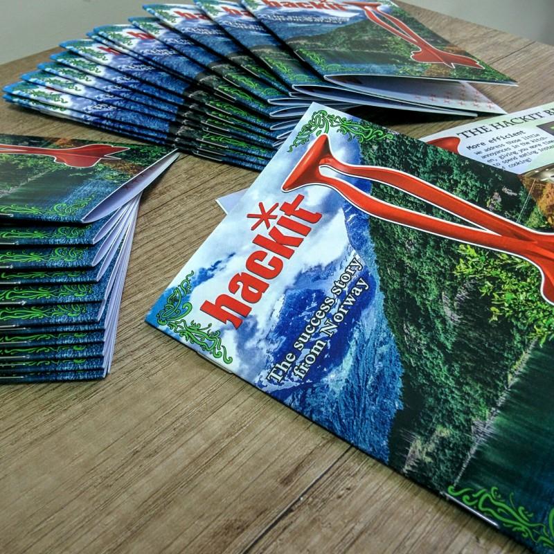 170 gsm matt paper, print 4 + 4, overprint varnish, staples. Size: 148 x 210 mm