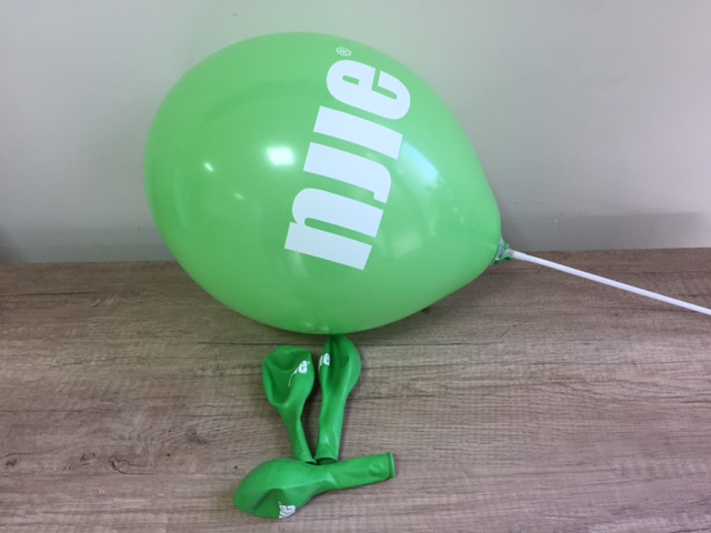grassy green latex, 1 color  /white/ screen print on 1 position, white PVC pole 36 cm. Size: Ø 30 cm