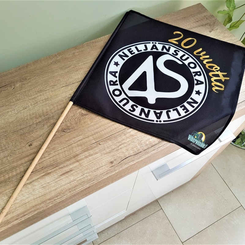 125 gsm polyester textile, SUB printed, sewed Ø 8 mm wooden pole 70 cm length on left side, sewed hems. Size: 40 x 40 cm