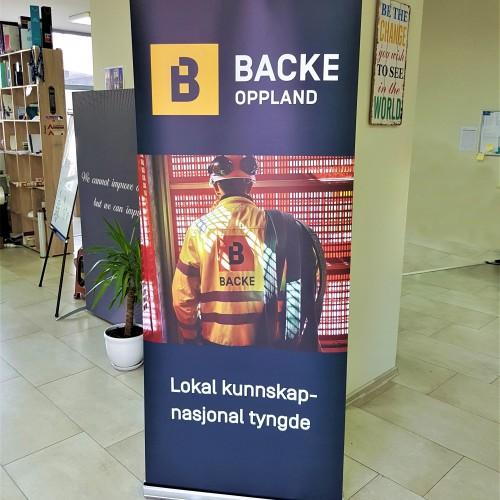 PP banner, printed 1440 dpi, aluminum construction Size: 80 x 200 cm