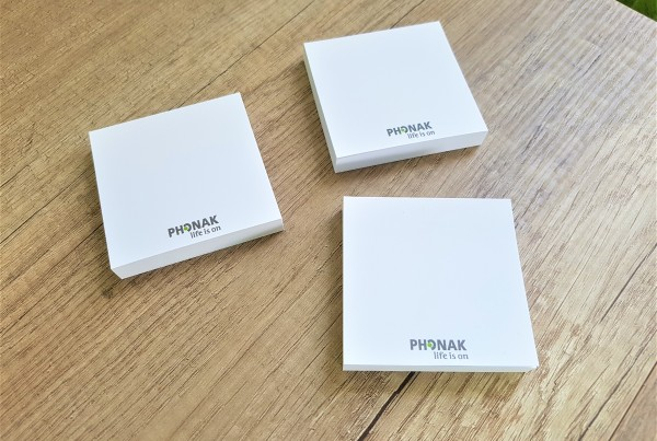 PHONAK post it notes