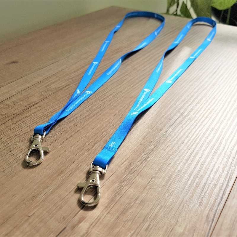 Polyester textile, sublimation printed, metal carabiner. Size: 10 mm width
