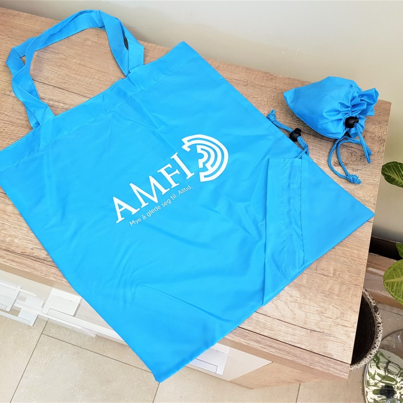 190 T polyester fabric, 1 color silk-screen printed on one side, 50 cm handles Size: 37 x 40 cm