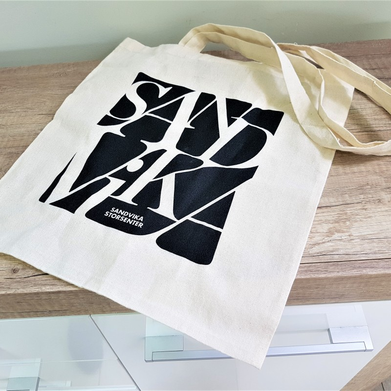 105 gsm natural environmental friendly cotton, printed 1 color on one side, long handles. Size: 38 x 42 cm