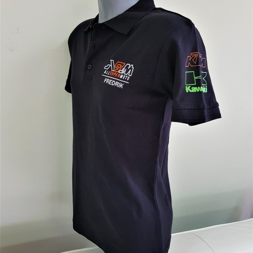 Polo T-shirt - 200 gsm. 65% cotton, 35% polyester, embroidered logo + name on chest, silk-screen printed logos on sleeves. Size: S,M and L
