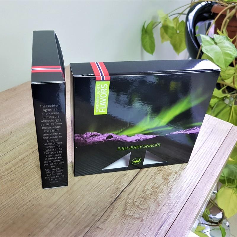 270 gr. Zenith cardboard, 4+0 CMYK + glossy lamination, size: 16 x 14 x 3 cm